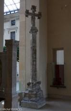 Croix de cimetière du début du XVI ème siècle, provenant d'un cimetière de l'Aube