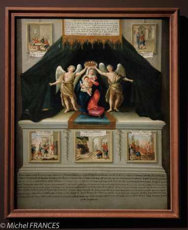 Anonyme - LE MIRACLE DE LA RUE AUX OURS, 1772 - Huile sur toile - Paris, église Sajnt-Leu-Saint-Gilles - Cette peinture illustre les épisodes d'un célèbre miracle survenu rue aux Ours, non loin de I' église Saint-Leu-Saint-Gilles, le 3 juillet 1418. Après avoir perdu au jeu dans une taverne, un soldat suisse éméché quitta les lieux et s'en prit à une statue de la Vierge qui se trouvait dans une niche. Vandalisée par un grand coup d'épée, la sculpture se serait mise à saigner. Arrêté pour cet acte sacrilège, le coupable fut conduit devant le chancelier de Marle au Parlement et condamne à être brule. La statue miraculeuse fut déplacée à l'abbaye de Saint-Martin-des-Champs, où elle fut vénérée jusqu'à la Révolution.