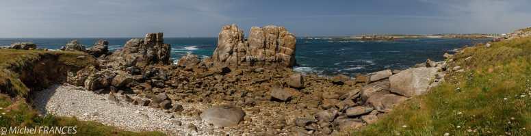 À la pointe de Garchine en Porsporder, face au phare du Four