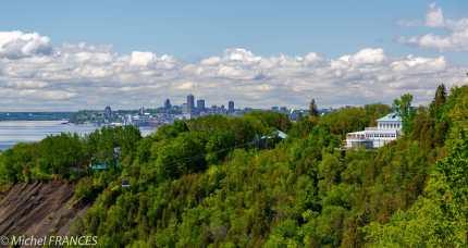 Chutes de Montmorency - Québec au loin