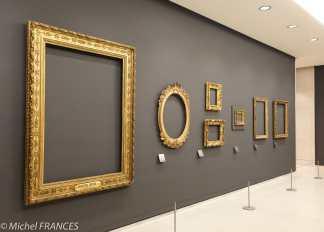expo sur les cadres - à gauche, cadre de style Louis XVI