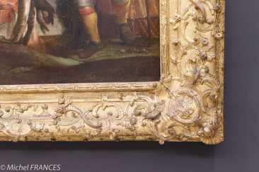 expo sur les cadres - Annibal Carrache - La pêche - vers 1585-1588 - Cadre de style Louis XIV. Le motif de L entrelacé aux angles indique une provenance royale. Son décor, avec têtes de dauphins, nasses de pêche et cornes d'abondance, est en accord avec le sujet du tableau.