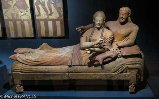 expo Collection Campana - Sarcophage des Époux - terre cuite - vers 520-510 av JC