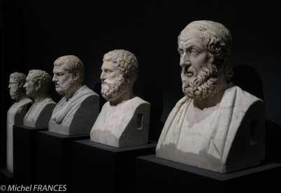 expo Collection Campana - série de bustes d'hommes illustres - Vous ne trouvez pas que le deuxième à partir de la gauche fait un peu style du 19ème ?