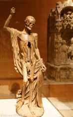 Statue macabre du cimetière des saints innocents
