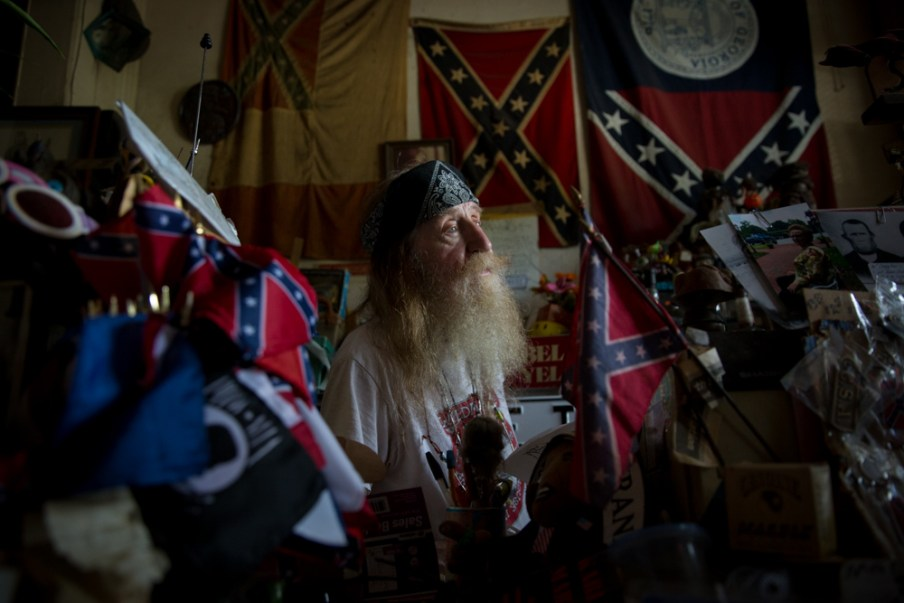 150623_nyt_confederate_flag_647