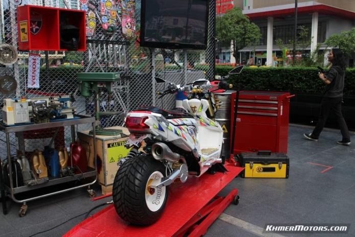 Zoomer-X designs in Honda's Mocye Idea Challenge (119)