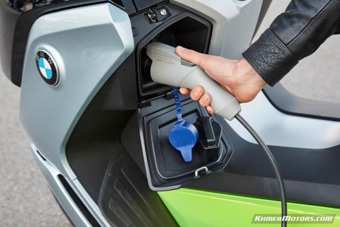 bmw-c-evolution-electric-scooters-20
