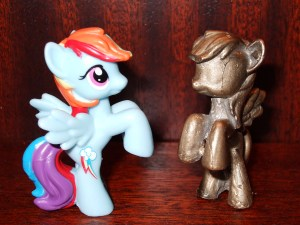 Rainbow Dash vs Rainbow Bronze
