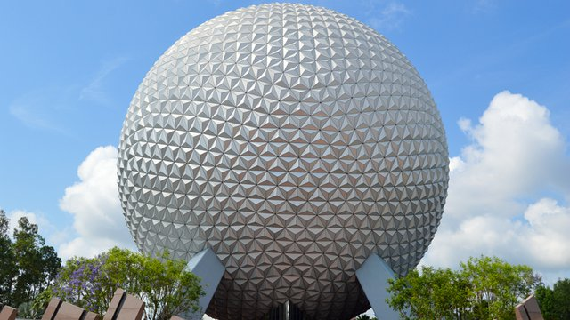 Digital signage for an amusement park: Disney World - Kitcast Blog