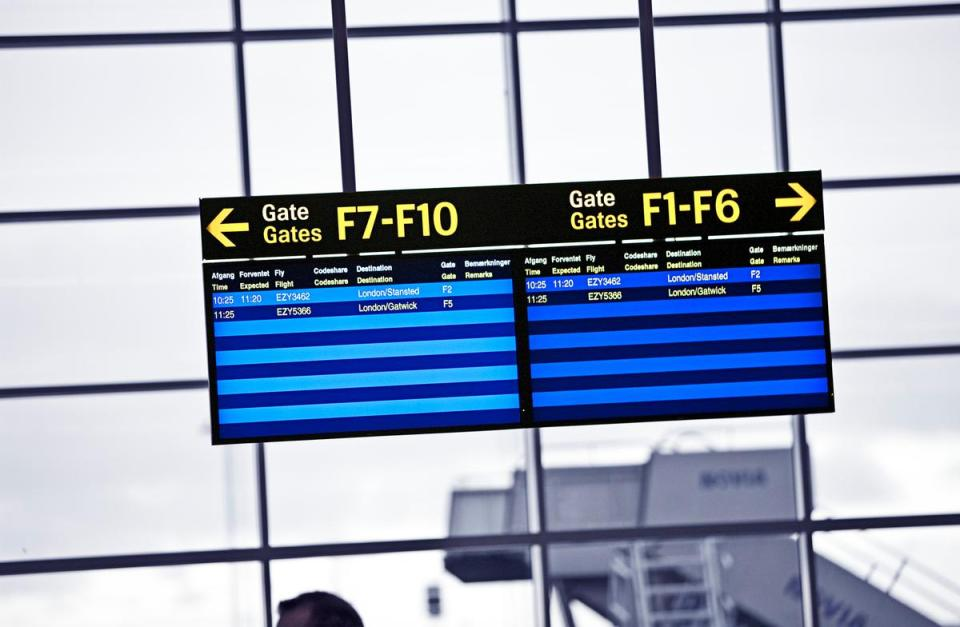 Go terminal 01 1200px 1 10 Airports that Amaze with Digital Signage - 5
