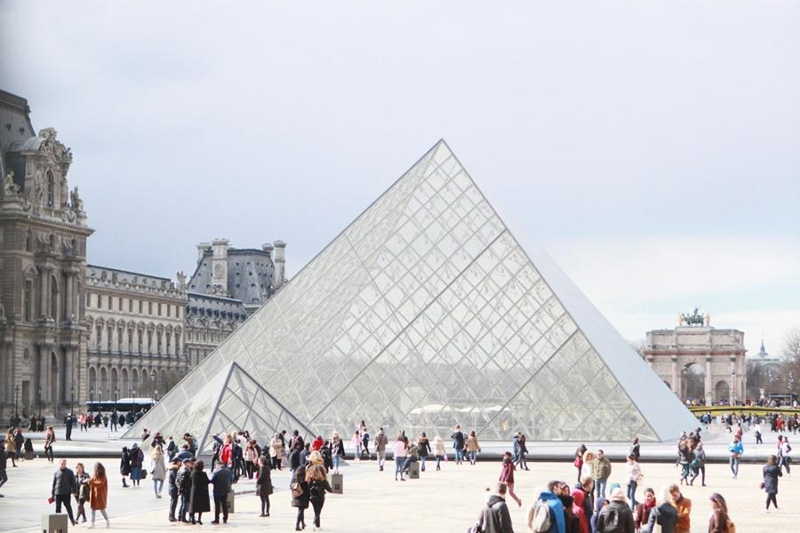 900 門口玻璃金字塔5