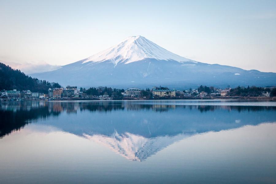 900 Japan Yamanashi  Lake Kawaguchi 河口湖 CVisualHunt  hsuyo on Visual Hunt CC BY SA 16623865070 574e18874c o