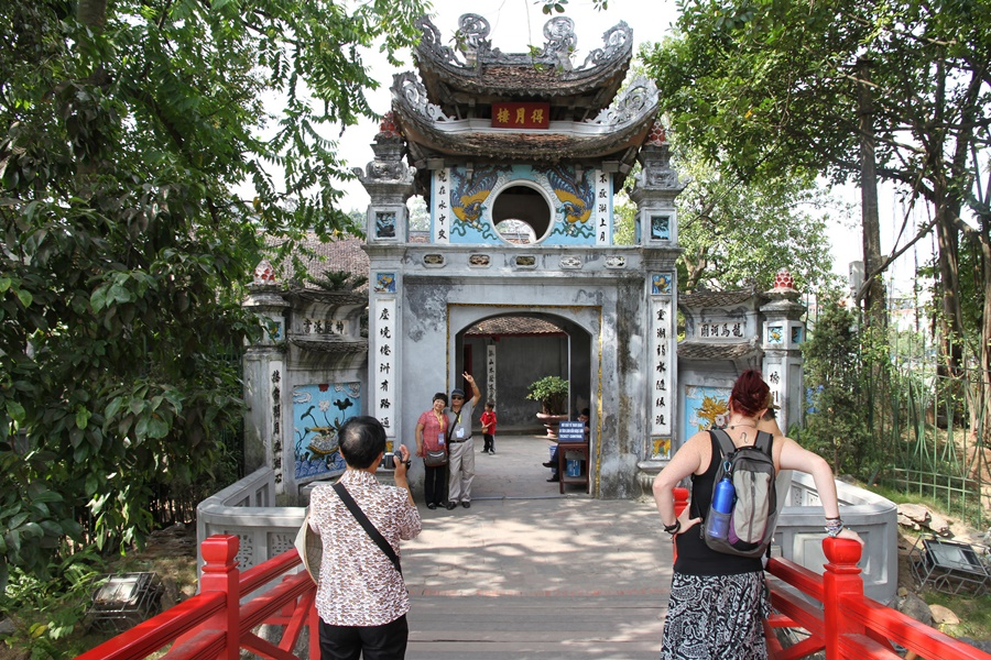 Vietnam Hanoi Ngon Son Temple CVisualHunt mayanais on Visual hunt CC BY 14346178185 beb8cc0268 k