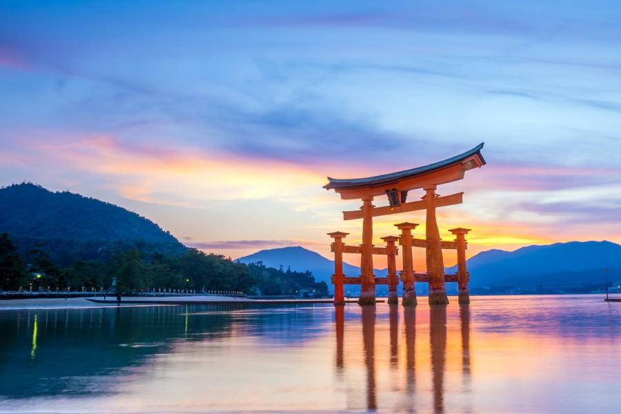 batch Japan Hiroshima Itsukushima AShutterstock 626248961