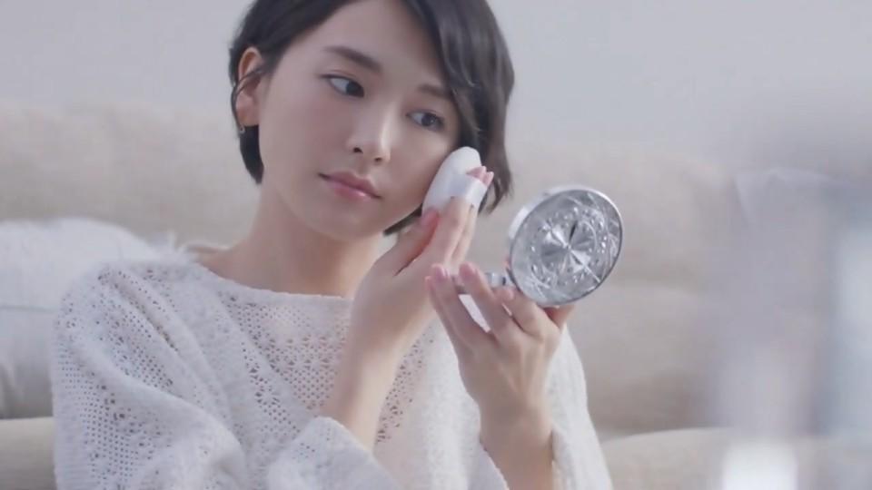 05/11新垣結衣 Kose 雪肌精 CM - 「粉雪の雪肌精」篇截圖a