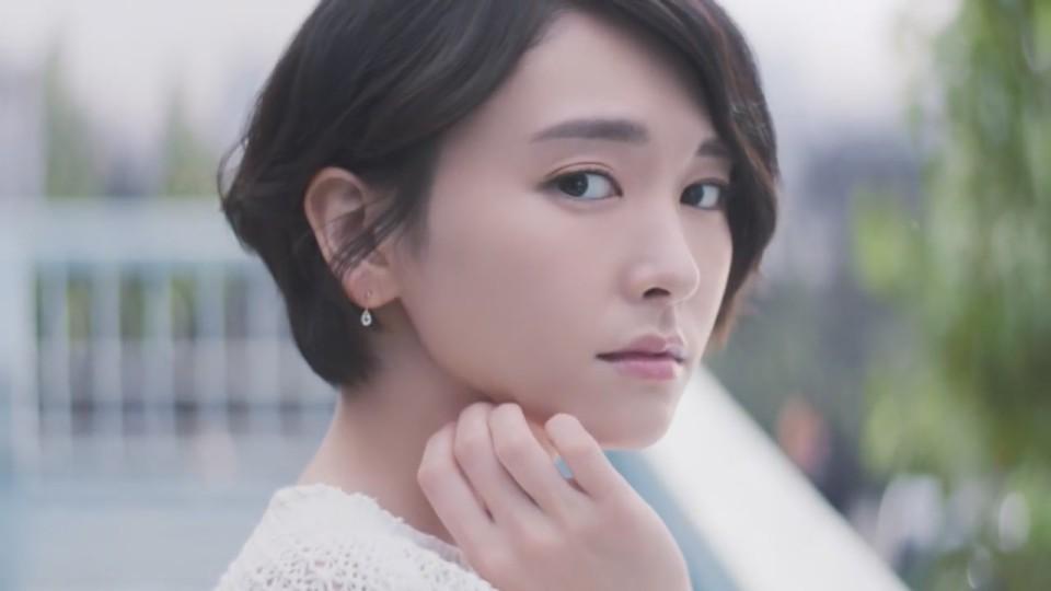 新垣結衣 Kose 雪肌精「粉雪の雪肌精(ティザー)」截圖c