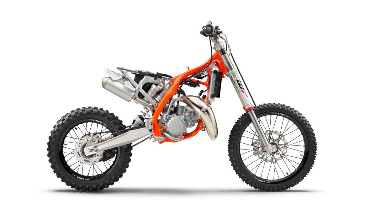 KTM SX 2020: The sharpest weapons are created in the