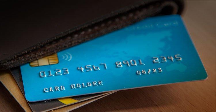 Cómo tramitar una tarjeta de débito