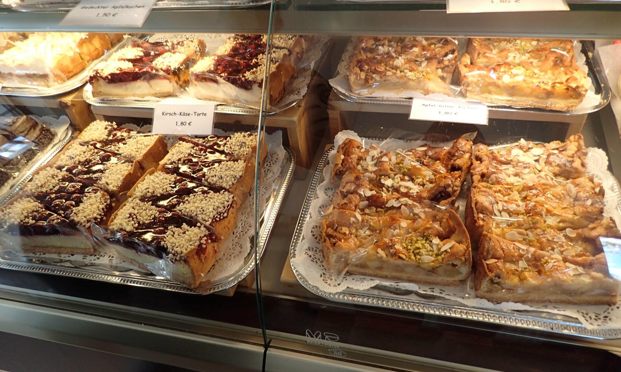 Kirsch-Käse-Kuchen und Apfel-Gitter-Kuchen - meins