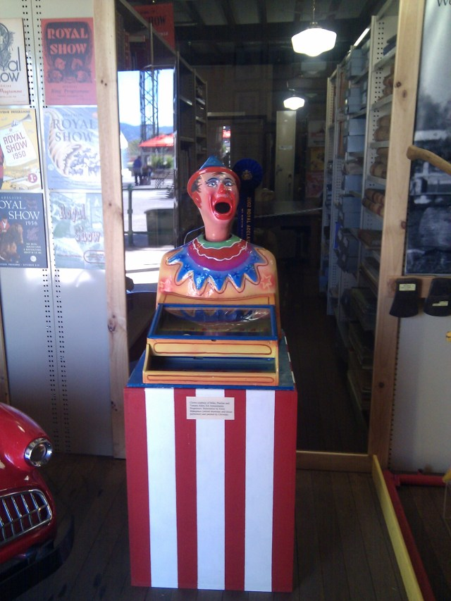 Old laughing clown game