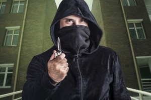 Surviving the Threat -Misconceptions about Knife Attacks