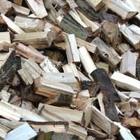 Poêle à bois: pourquoi faut-il utiliser du bois fendu ?
