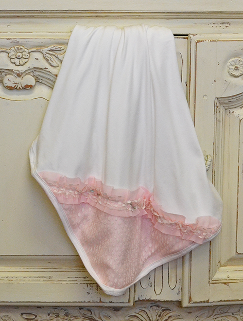 romantique-bebe-eco-friendly-baby-blanket-ivory-lace-1