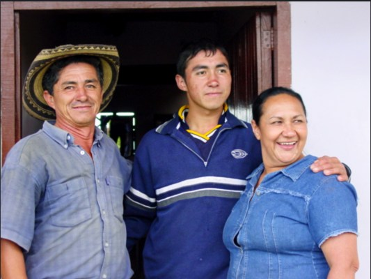 One of the farming families that help produce our San Roque coffee.