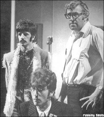 Ringo y John junto a Mal Evans
