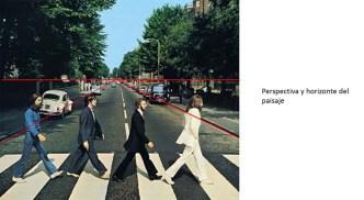 El horizonte indica la altura de la lente de la cámara. De hecho es conocido que para estas fotografías del paisaje se utilizó una escalera que ubica la lente a cierta altura.
