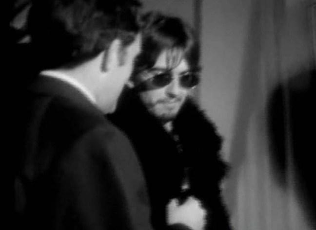 George entrevista en la puerta de EMI