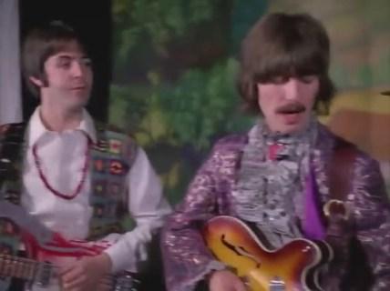 1:02, se vuelve hacia George que permanece impasible.