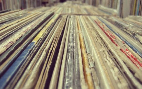 records_900x567