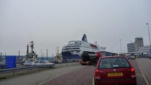 ...am Fährhafen in IJmuiden (NL)