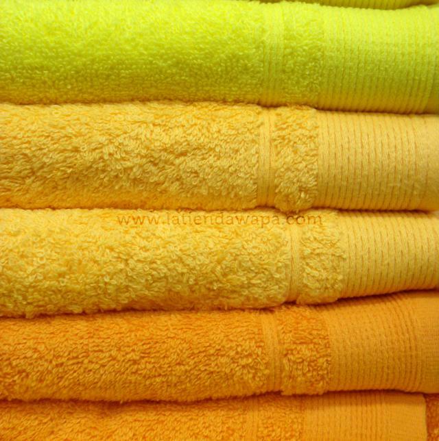 Toallas verdes y amarillas