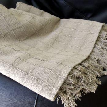 Cobertor liso color crudo