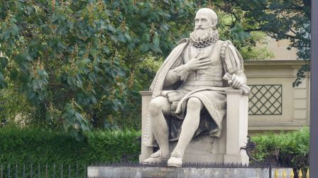 Statue par Beauvallet 1810