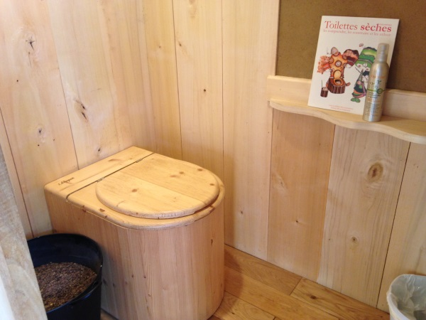toilette sans eau en Bretagne