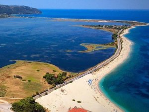 Lefkada Kastro and Gyra beaches