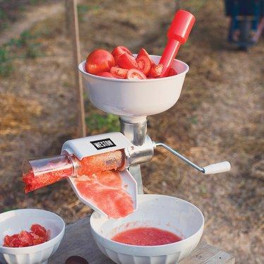 weston roma tomato press and sauce maker