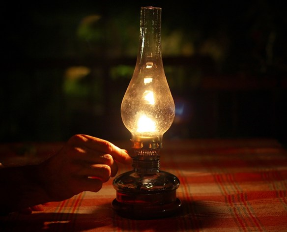 oil lamp in power outage