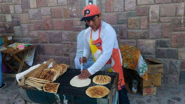 Vendeur de tortillas à la parilla
