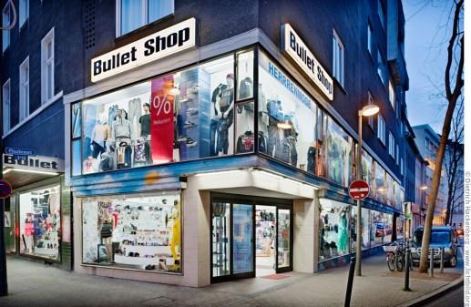 Bullet Shop - Mode, Körperschmuck und Selbstverteidigungskrempel. Foto © Dietrich Hackenberg
