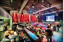 Grosser Veranstaltungssaal des domicil. domicil gGmbH (gemeinnützige GmbH), Forum für Zeitgenössischen Jazz, Weltmusik, Avantgarde; Hansastr. 7-11, 44137 Dortmund. Foto © Dietrich Hackenberg