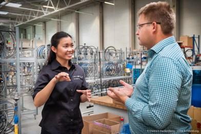 Arbeitsminister Schmeltzer besucht die AT-Zweirad GmbH in Altenberge