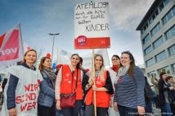 Erzieherinnen. verdi Streikveranstaltung Öffentlicher Dienst, Dortmund am 10.04.2018. Foto Dietrich Hackenberg