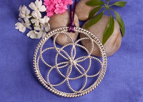 Light-Life Tools Lotus Pendant
