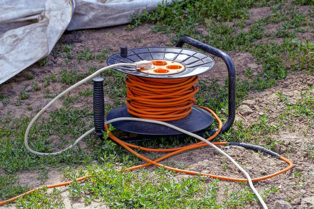 medium resolution of picking the right extension cord for outdoor lights