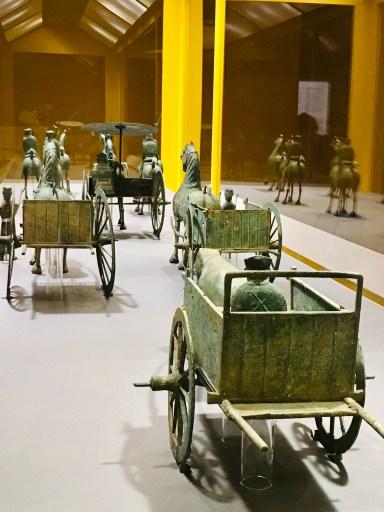 後漢2~3世紀、涼州の張将軍の墓の副葬品